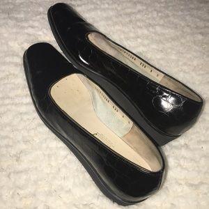 Salvatore Ferragamo black flat shoes 8 B